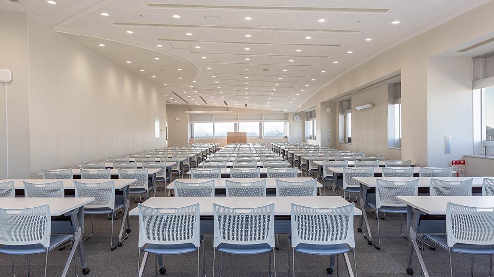 14階 多目的ホール(会議室利用(スクール形式)) 1