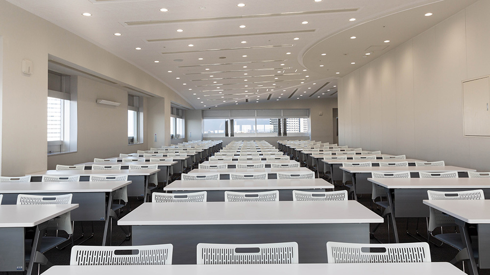 14階 多目的ホール(会議室利用(スクール形式)) 3