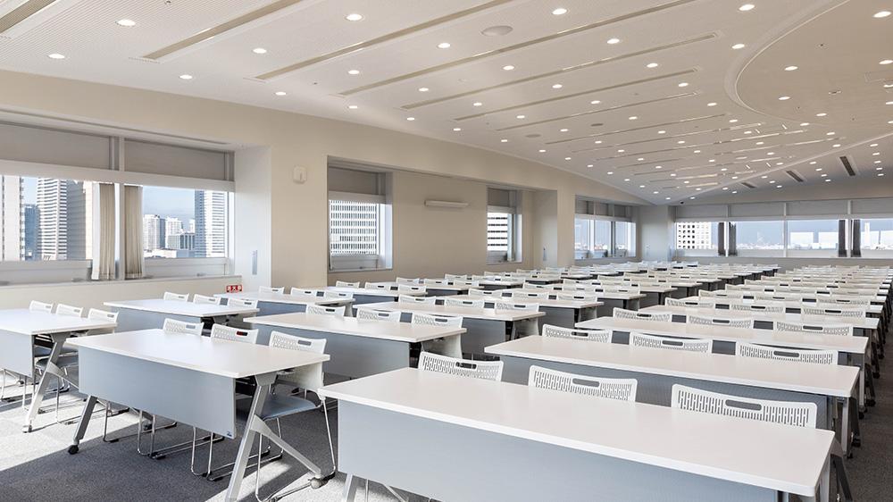 14階 多目的ホール(会議室利用(スクール形式)) 4